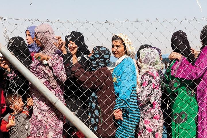 Syrian refugees waiting at the Dohuk camp, KRG.