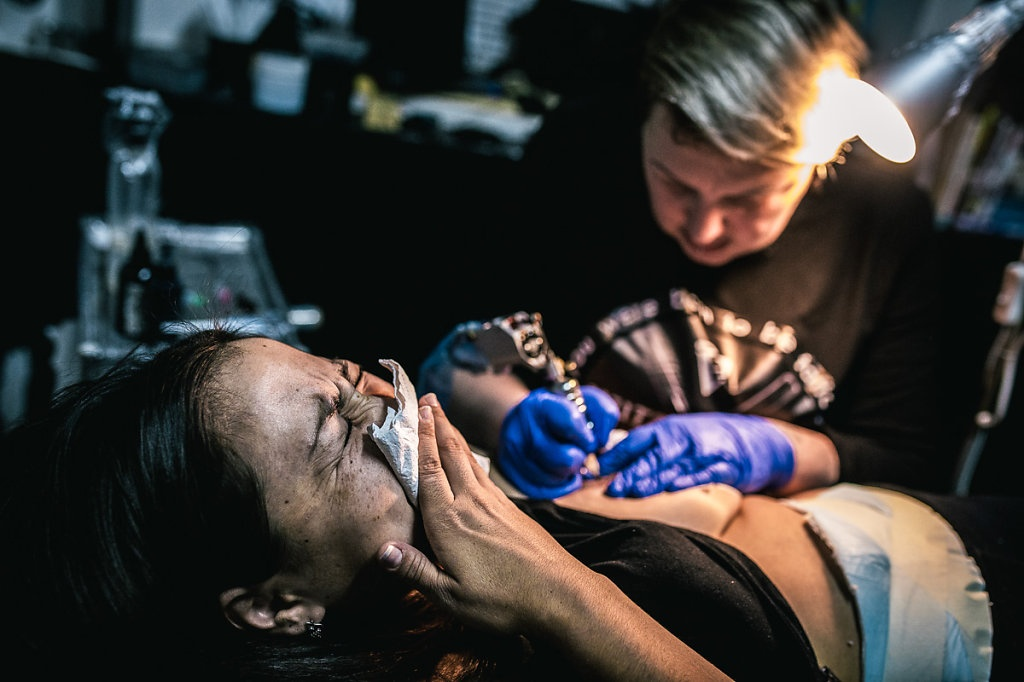 free tattoos to victims of domestic abuse