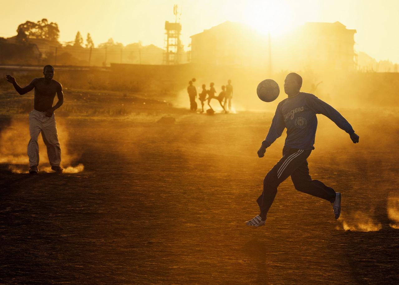 FOOTBALL INSIDE KIBERA SLUM / KENYA, NAIROBI