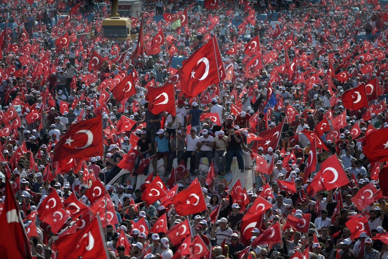 Turkish people in democracy rally