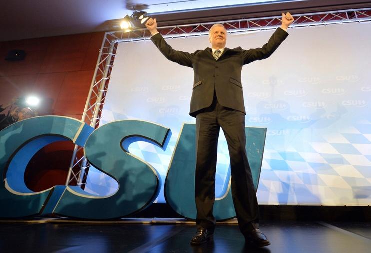 Horst Seehofer, Minister of Baveria - Election