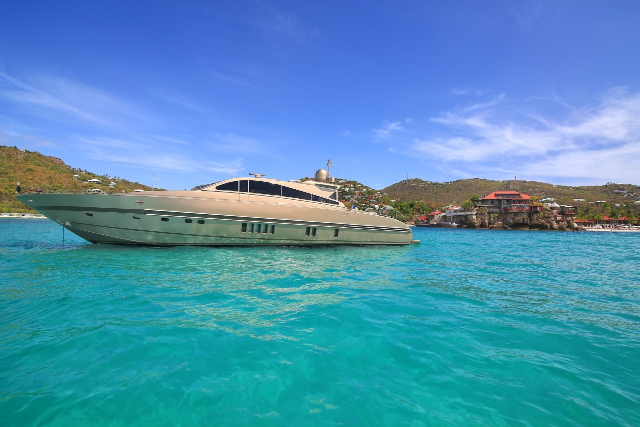 Yacht - 27m  Tender To