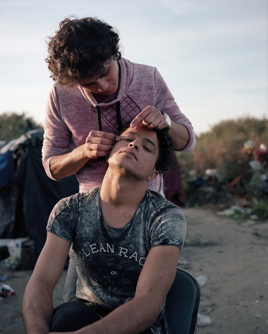 Dignifying migrants, and photography too