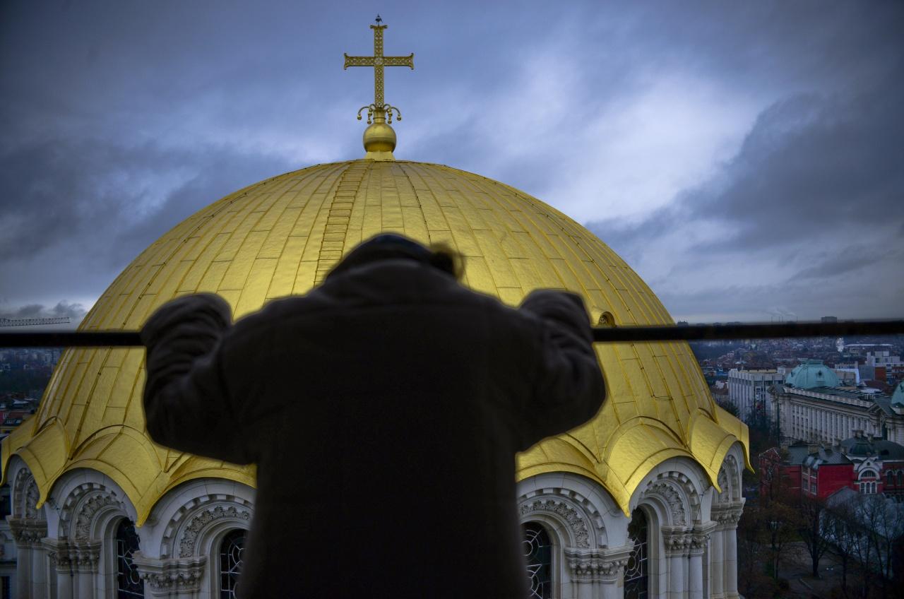 Pray at Aleksander Nevsky cathedral in Sofia
