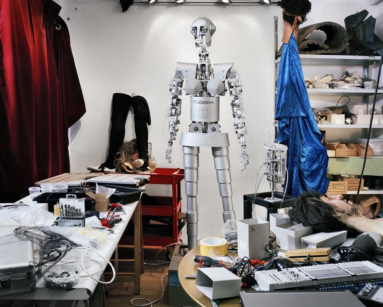 Human Version 2.018,2011