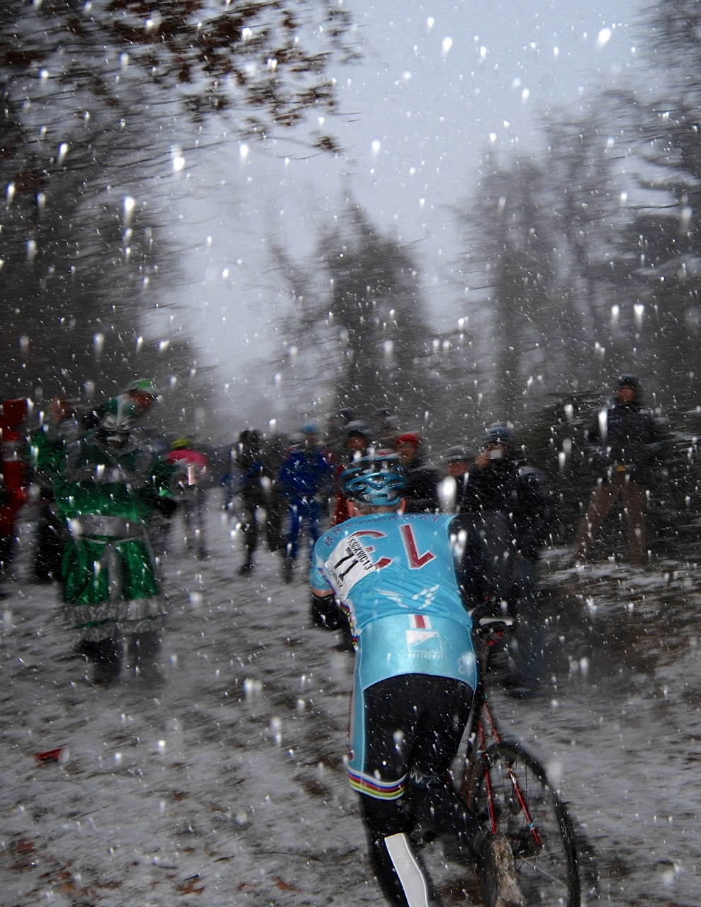 Fans Cheer at Snowy Climb