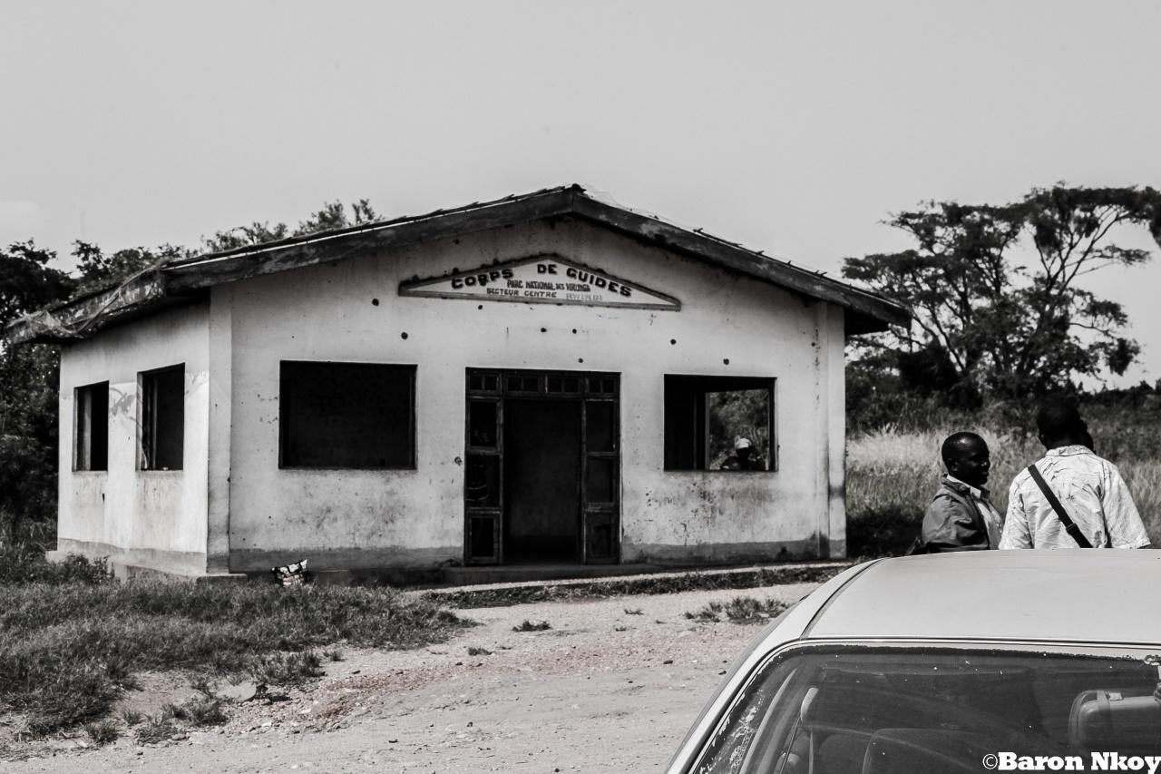 Corps de garde de parc Virung situé à Kibirizi