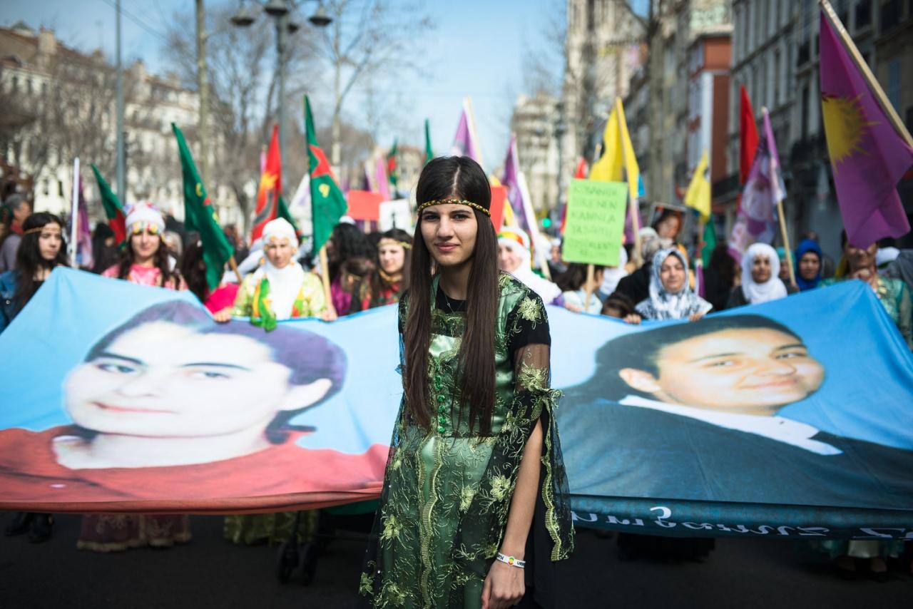 March of kurdish women in Marseille
