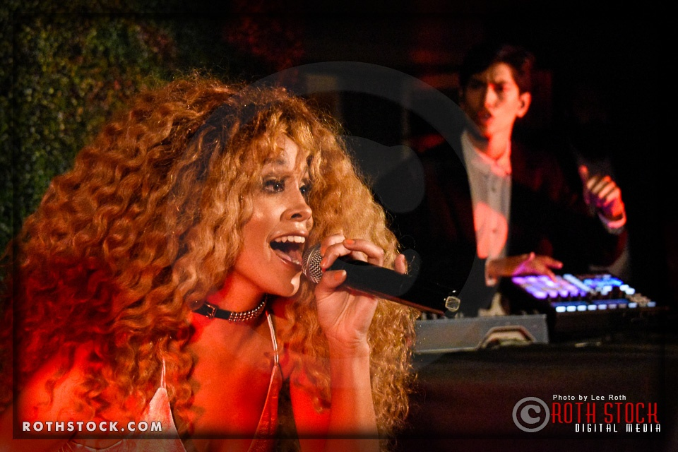 Lion Babe Performs at Skybar