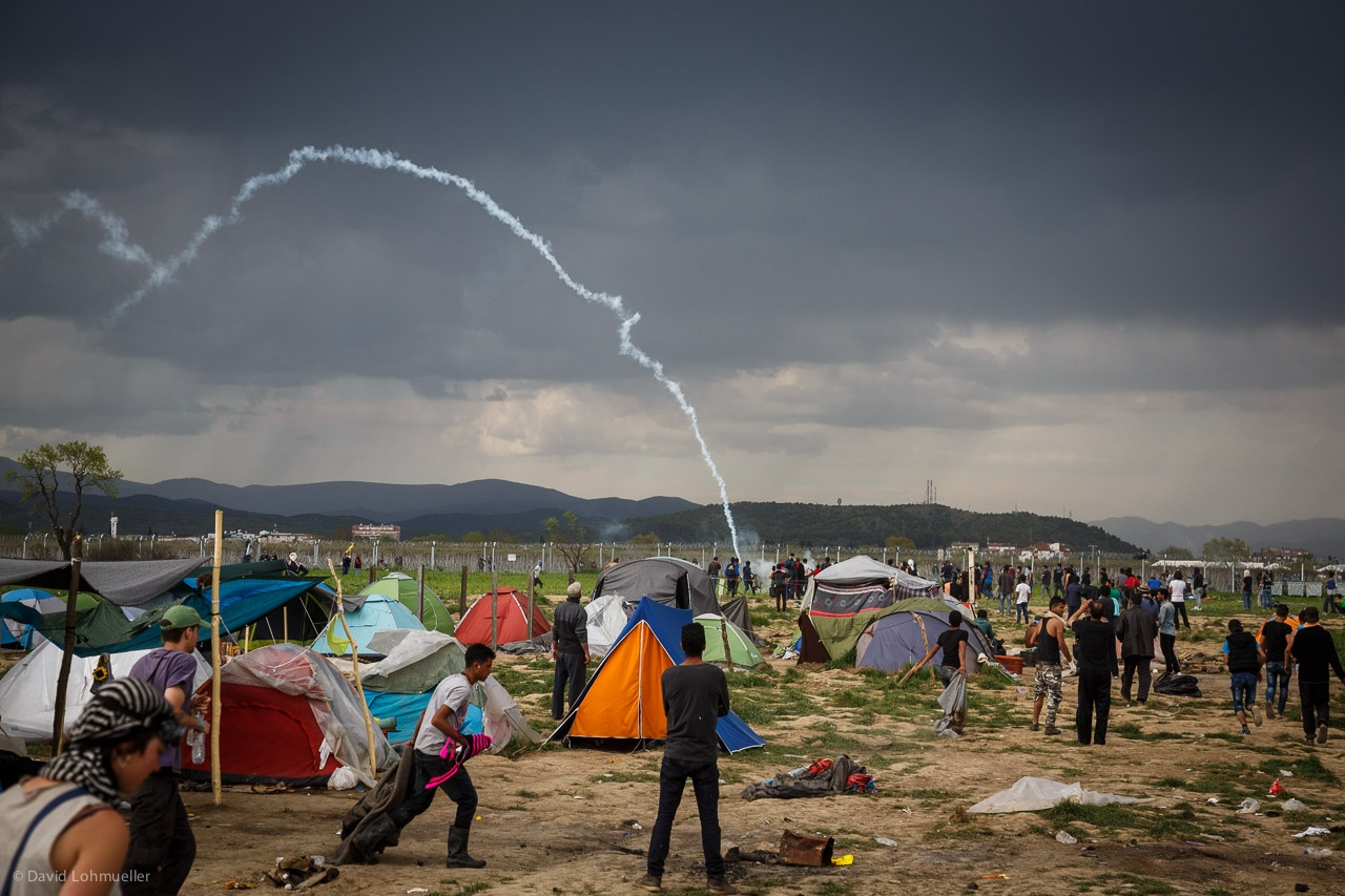 Teargas hit refugee tents