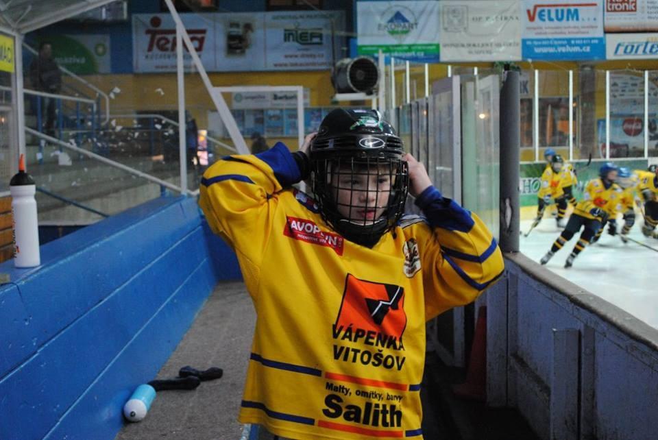 Small hockey players