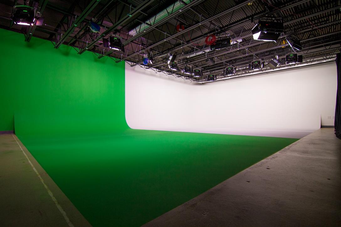 DC Video Studio Cyclorama & Green Screen