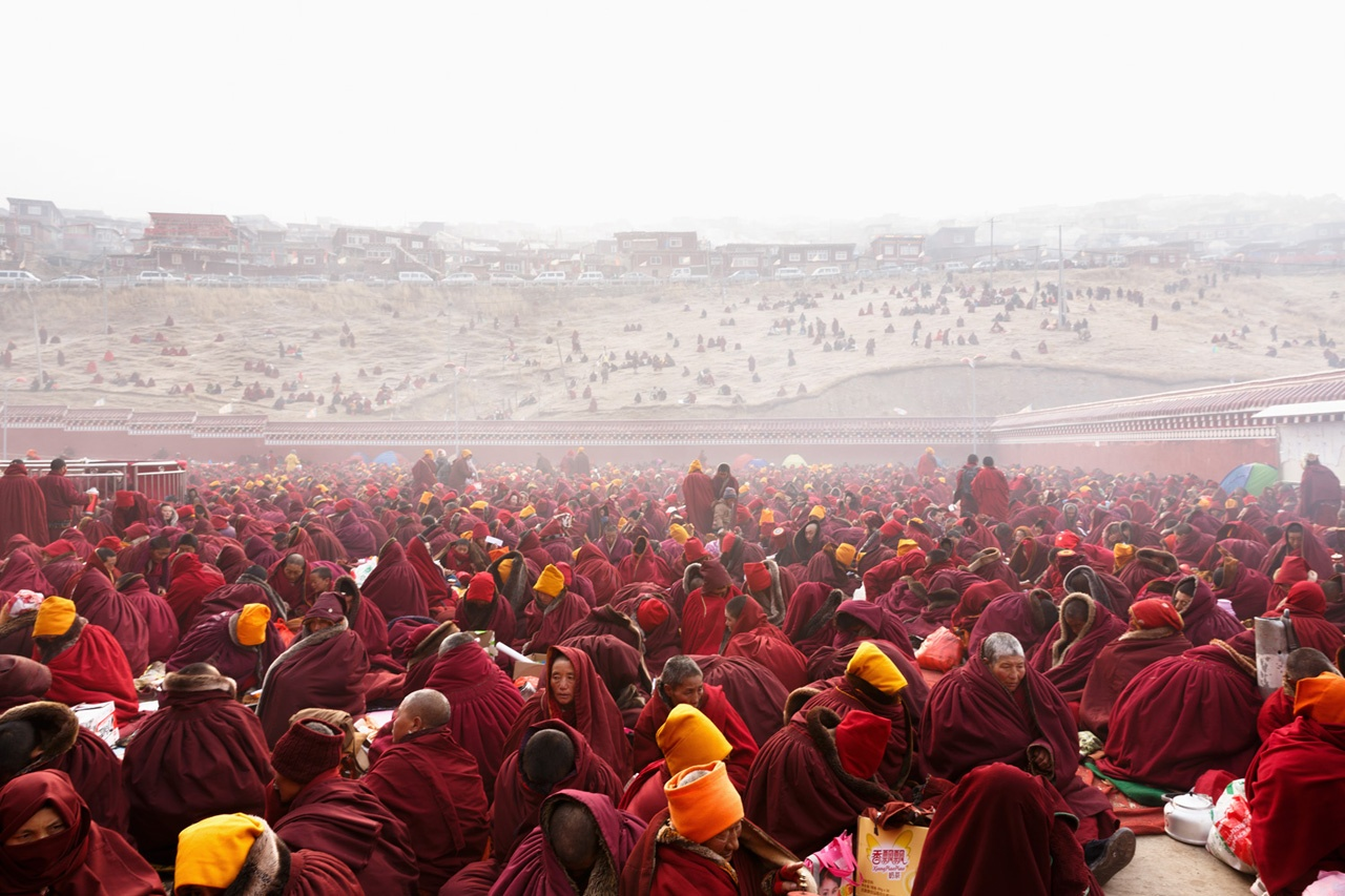 Chanting at Larung Gar