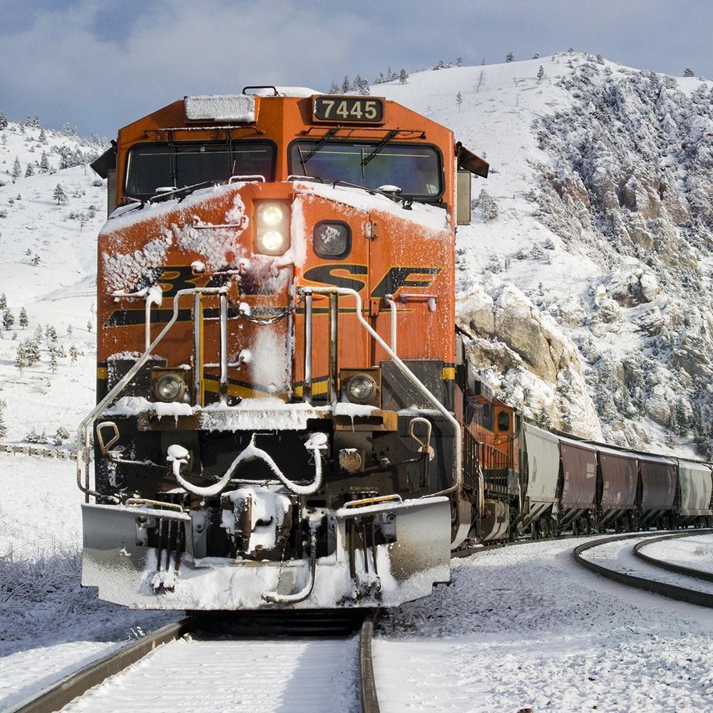 BNSF train locomotive