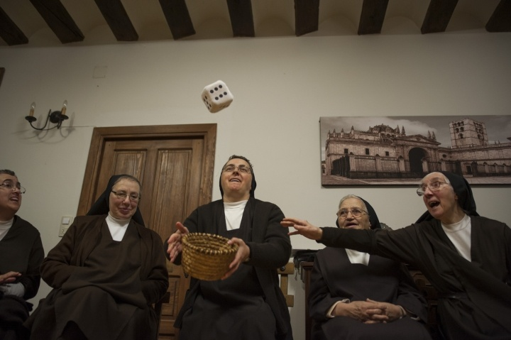The daughters of Saint Therese. A cloistered life