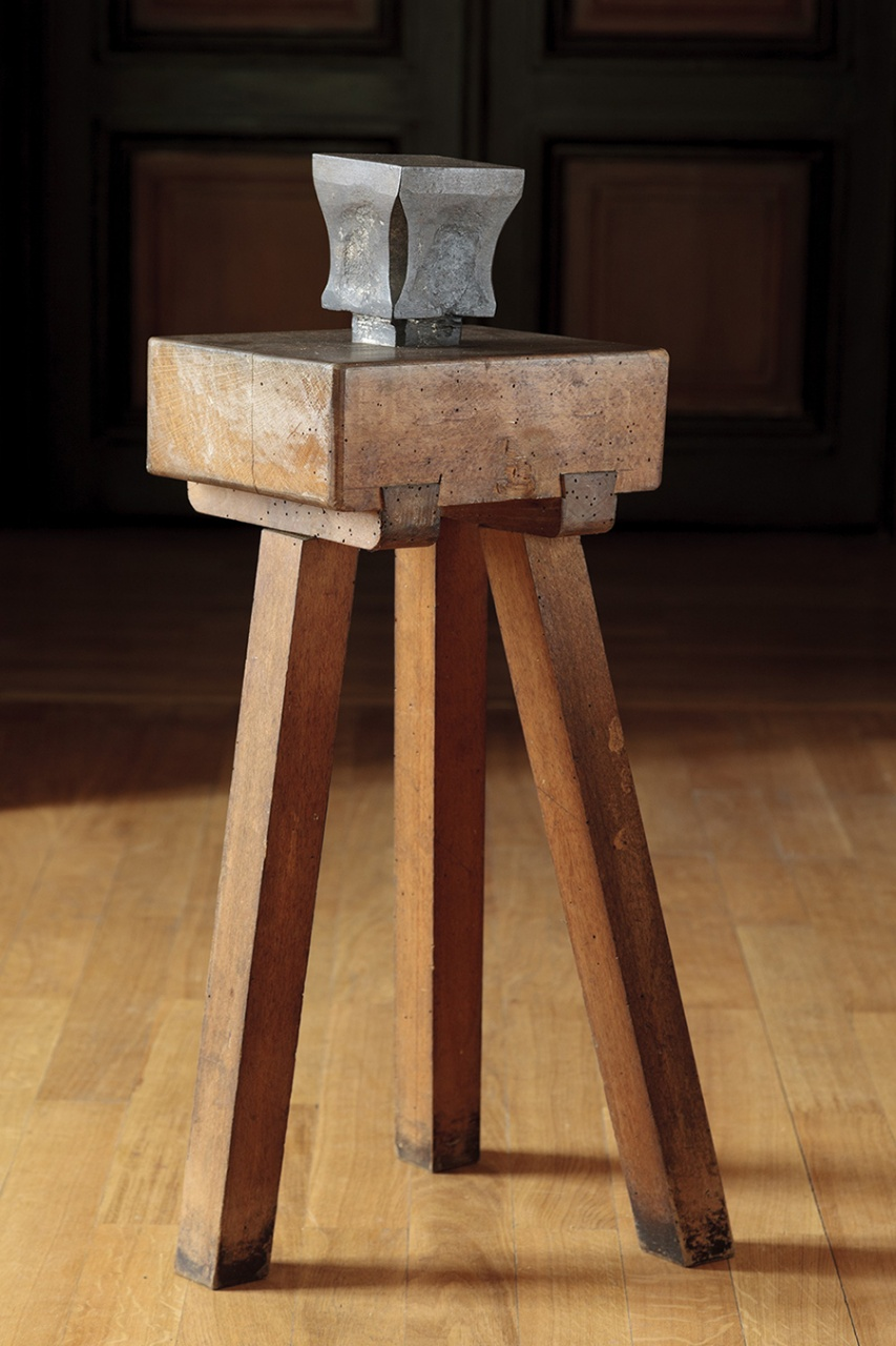 Theodor Aman's anvil