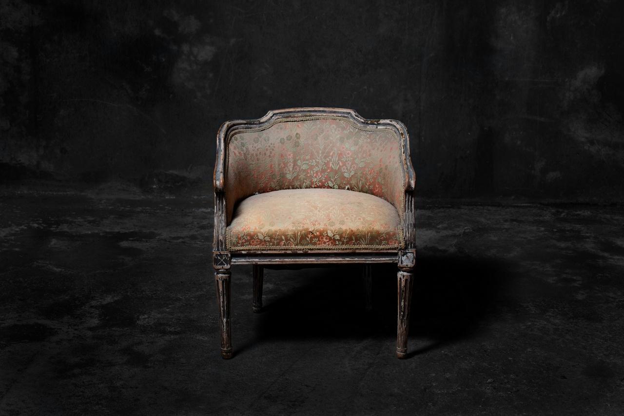 Toya as a chair