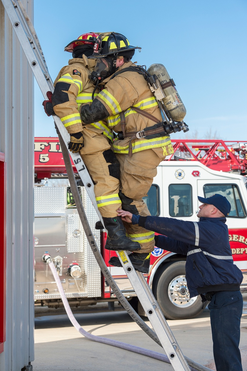 Firefighter Down - Ladder Carry