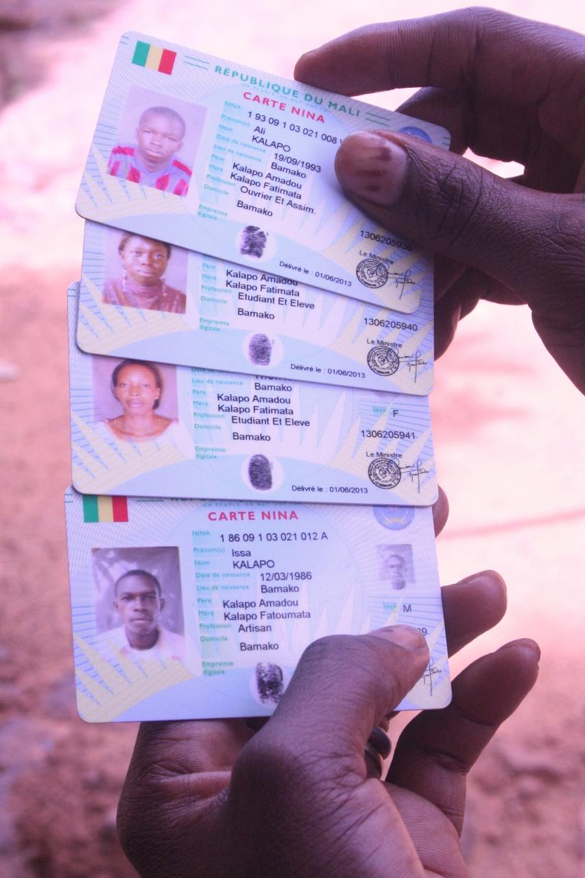 Retrait des cartes d'identification nationale