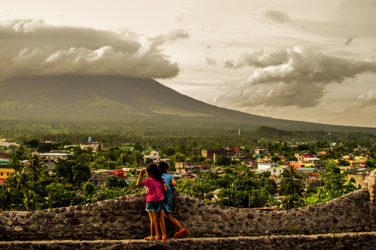 Mont Mayon, l'homme face à un géant de la nature
