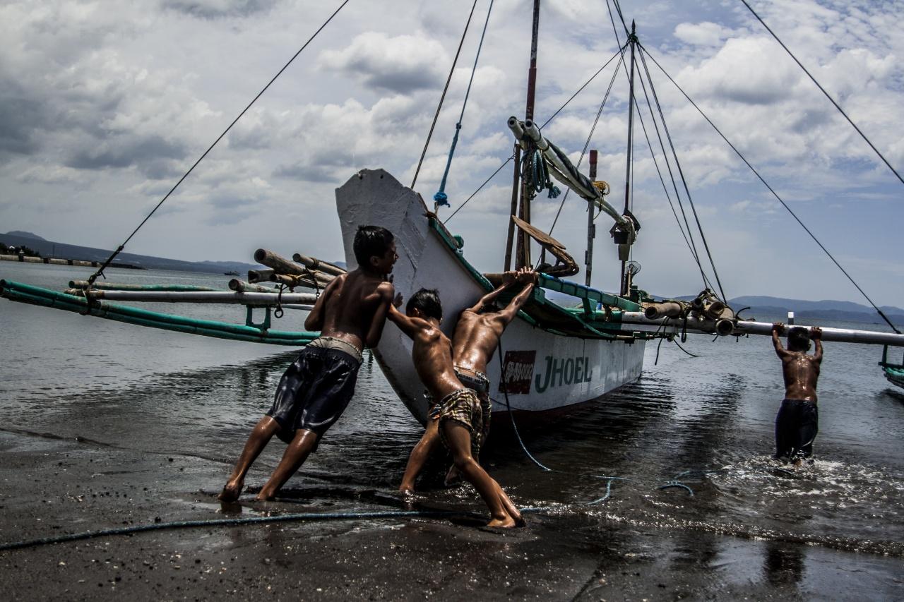 Legazpi, la vie dans un port aux Philippines