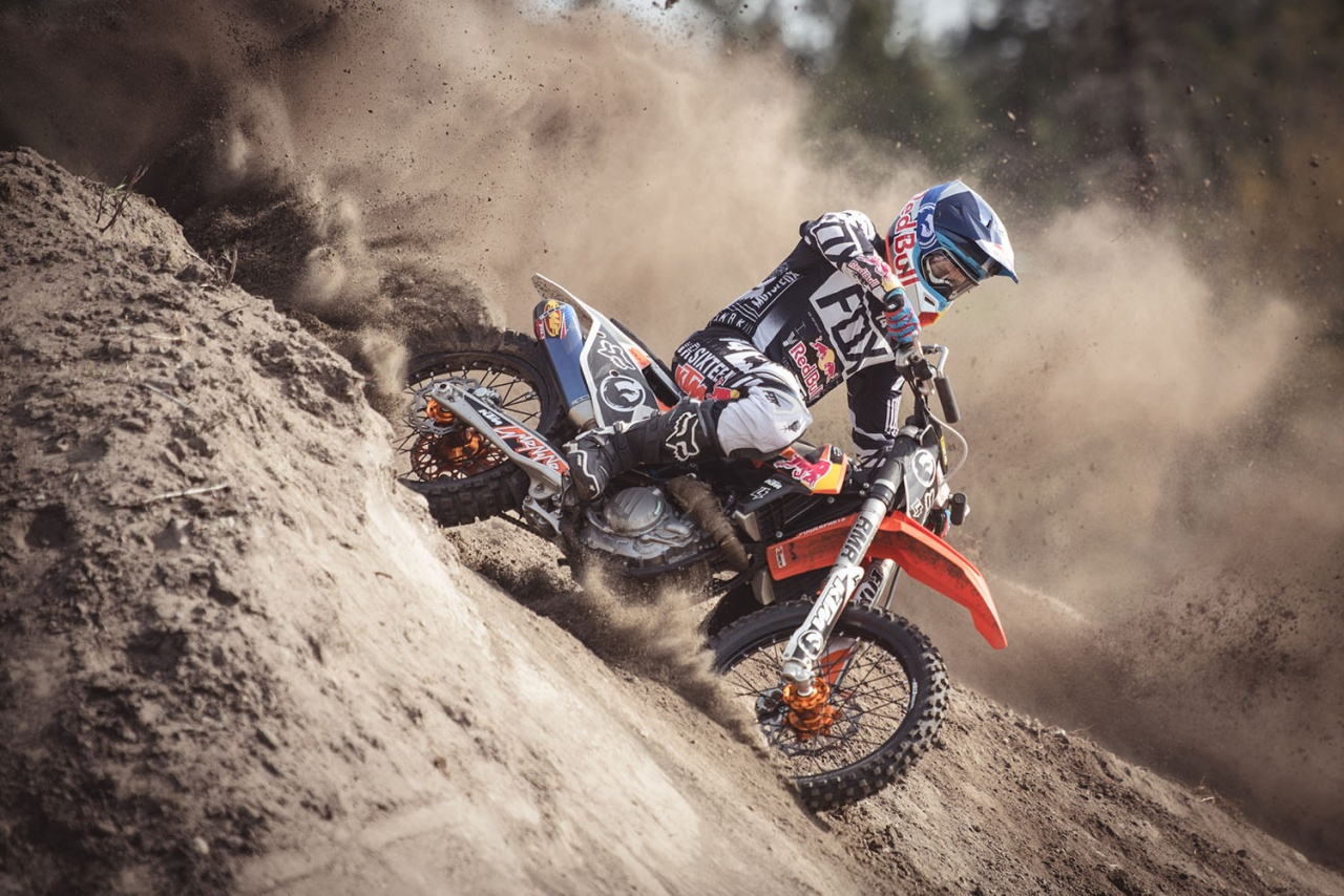 RED BULL FREESTYLE MOTO