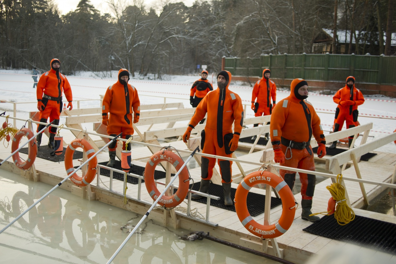 Winter divers