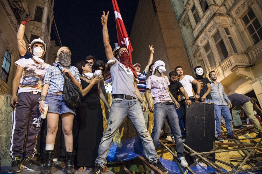 Barricade, Istanbul June 2013