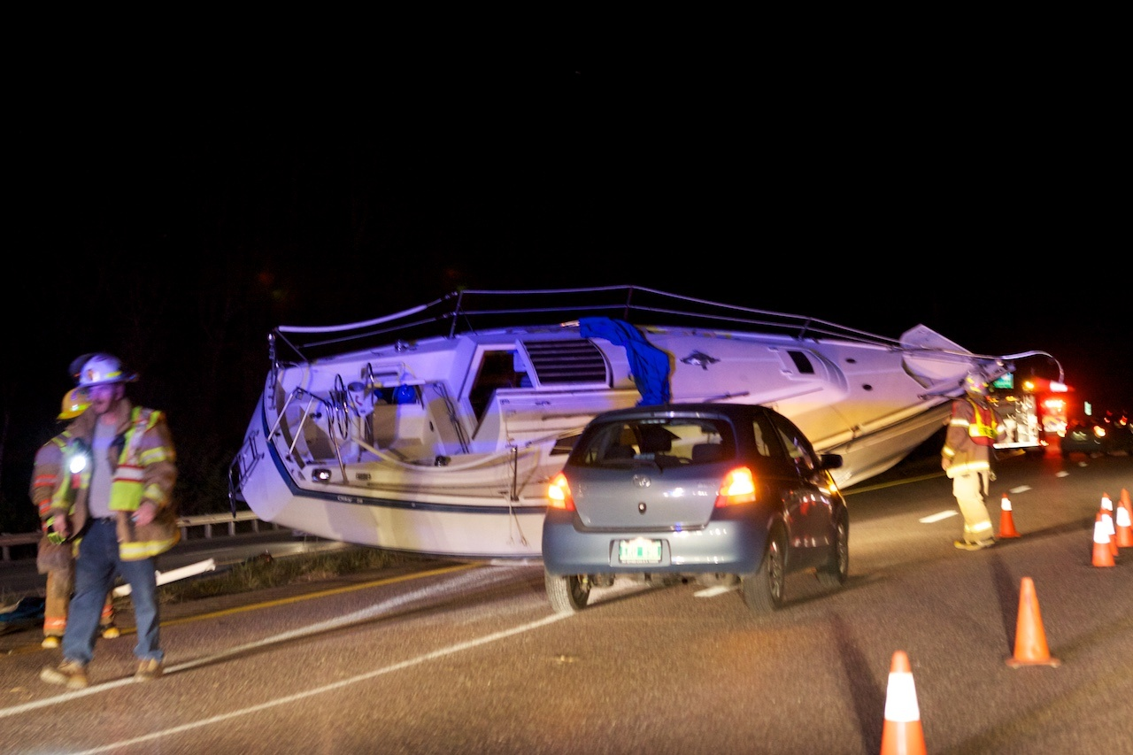 Boat lost on highway in high winds