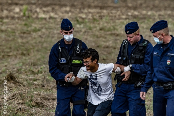 Hungarian police caught a refugee