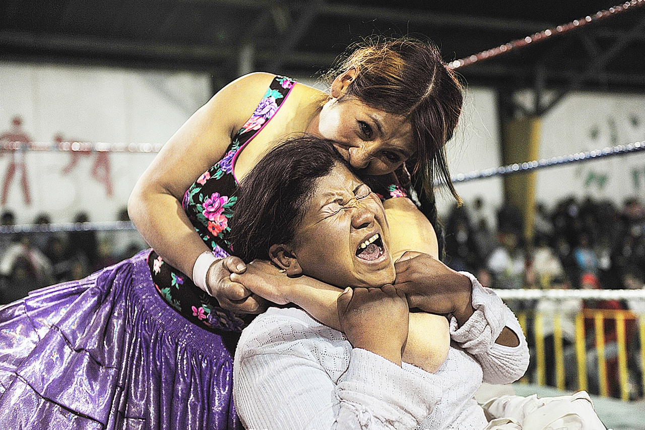 Bolivians women wrestlers