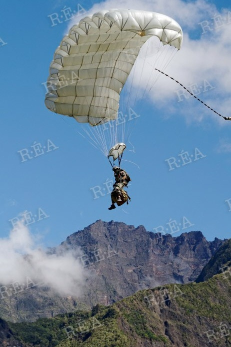 Commando parachutist