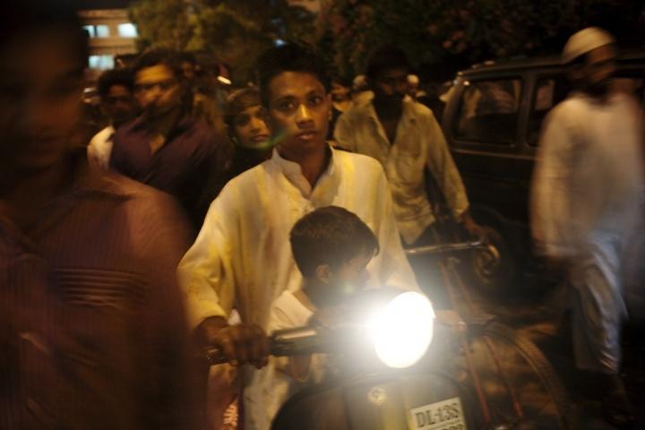 Commuters in Old Delhi