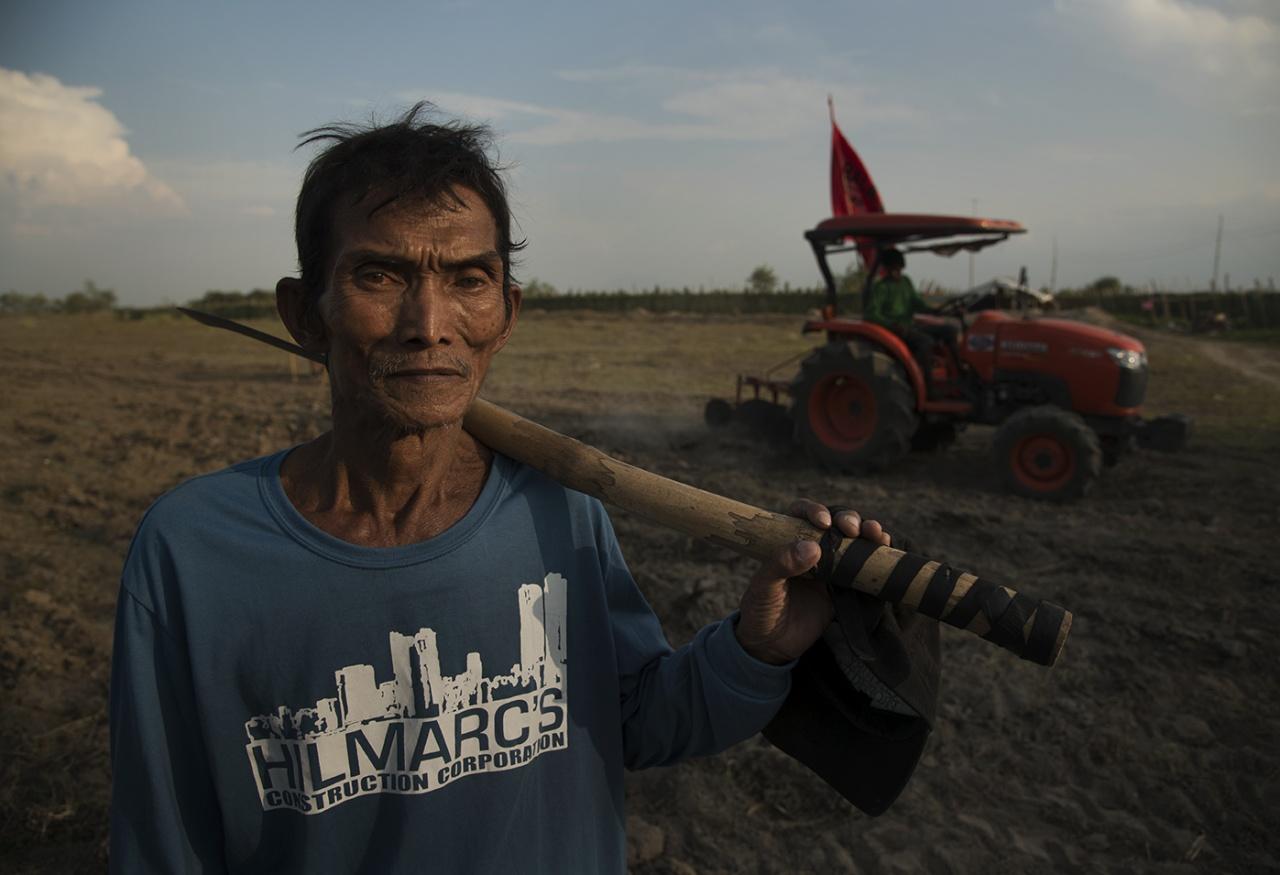Hacienda Luisita Farmer