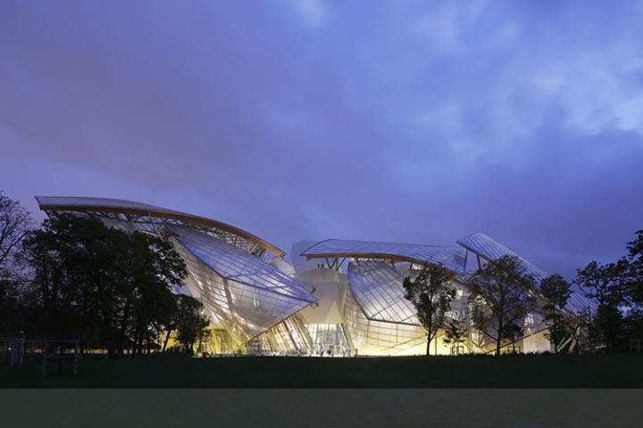 Fondation Louis Vuitton, Paris, France.