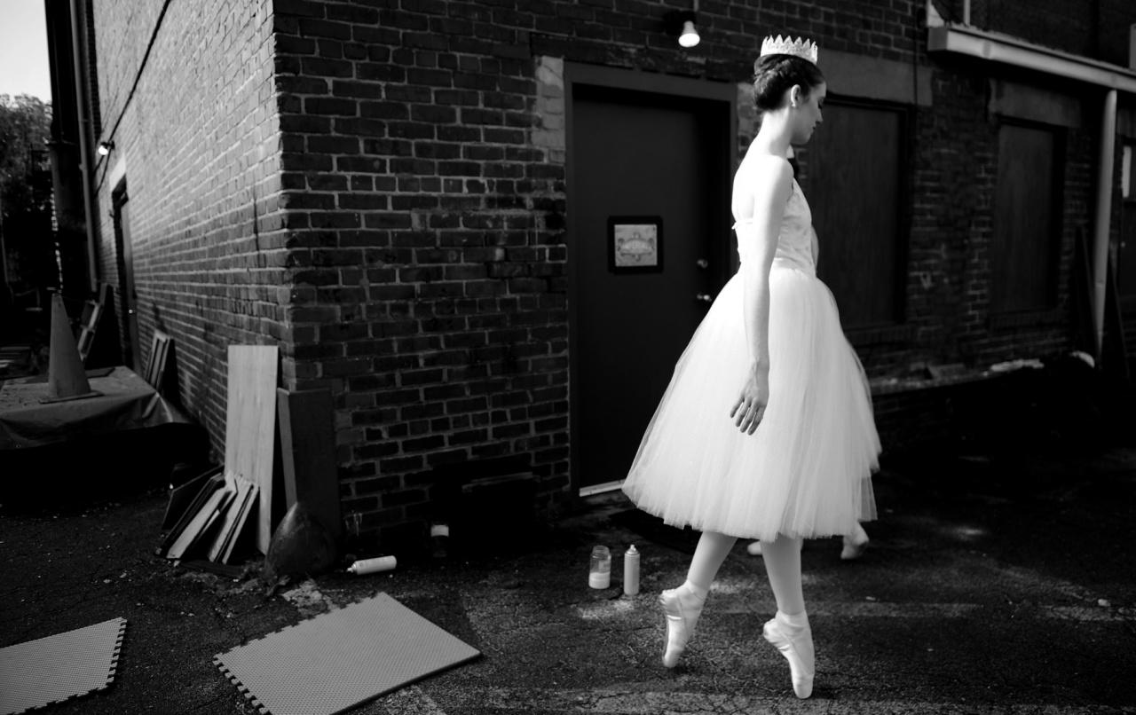 Alleyway Ballerina