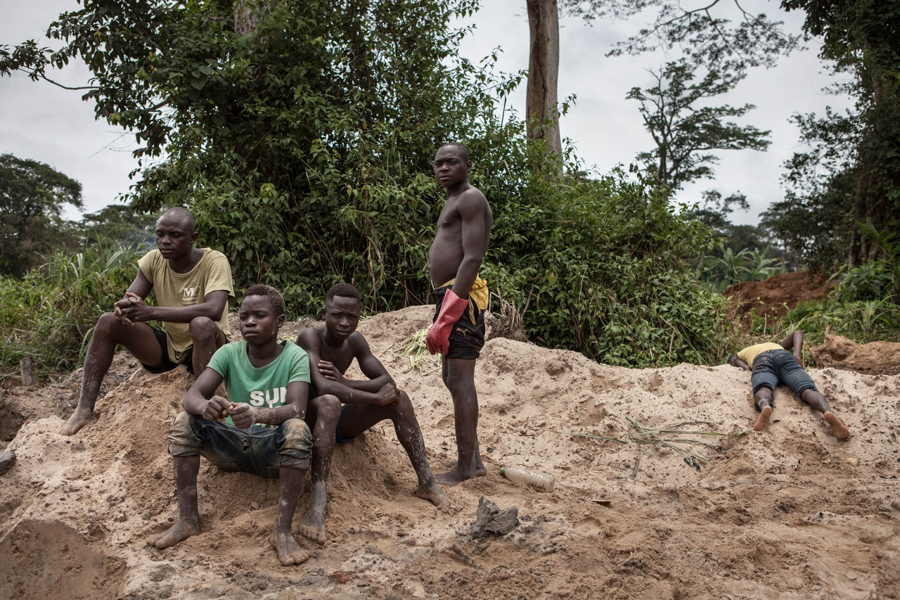 Deschooling and gold mining in East Cameroon