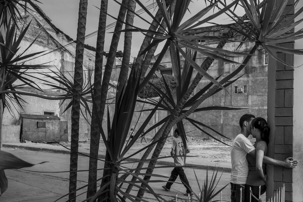 Embraces, Havana, July 2015