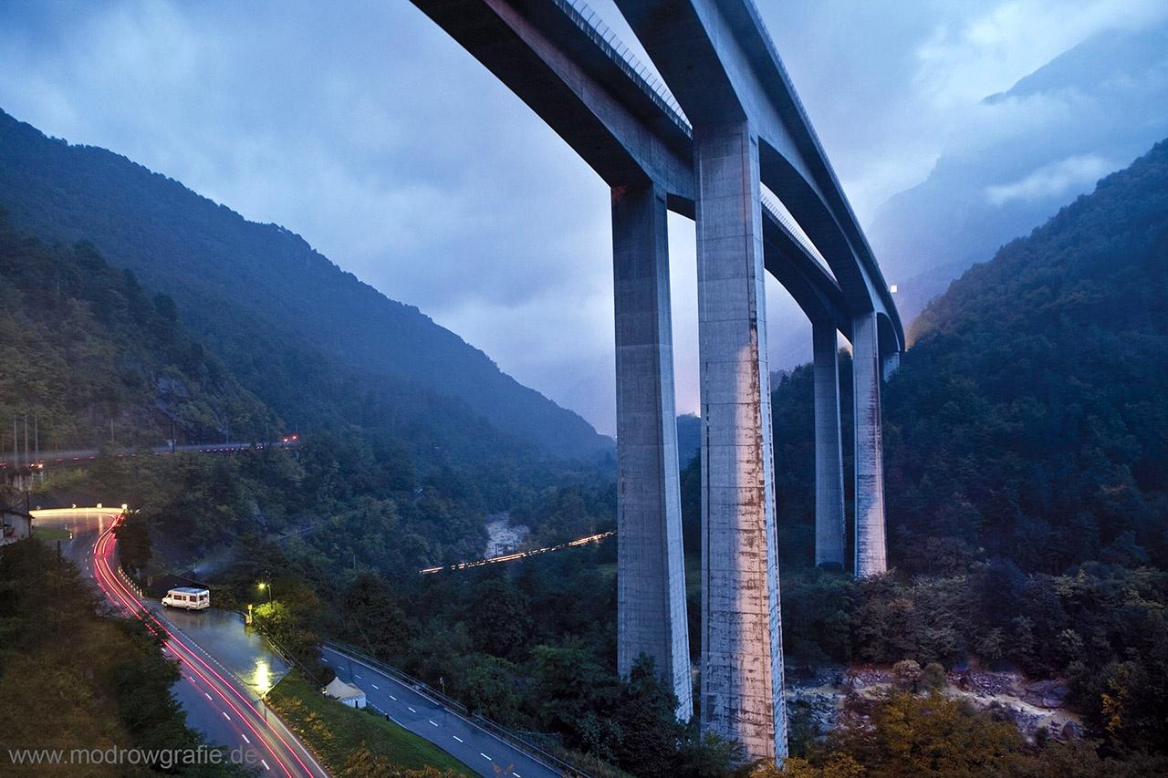 Corporate/ Architecture