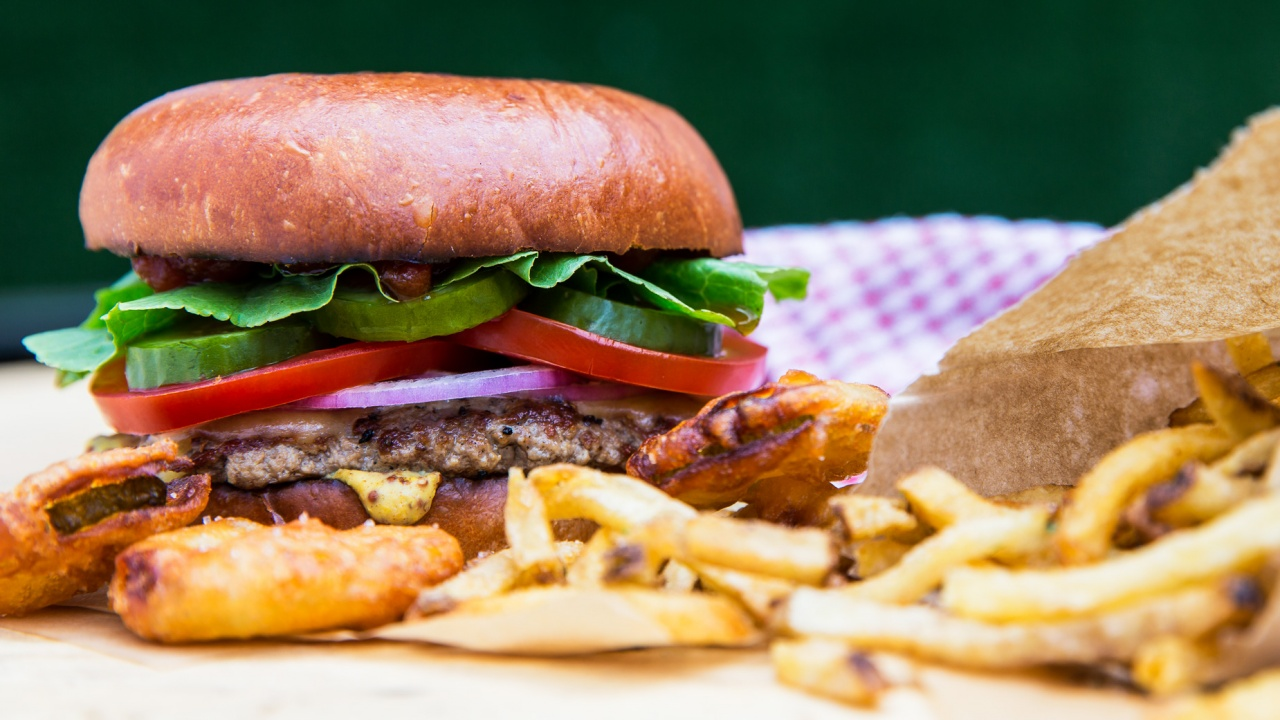 Food photography: burger and fried pickles