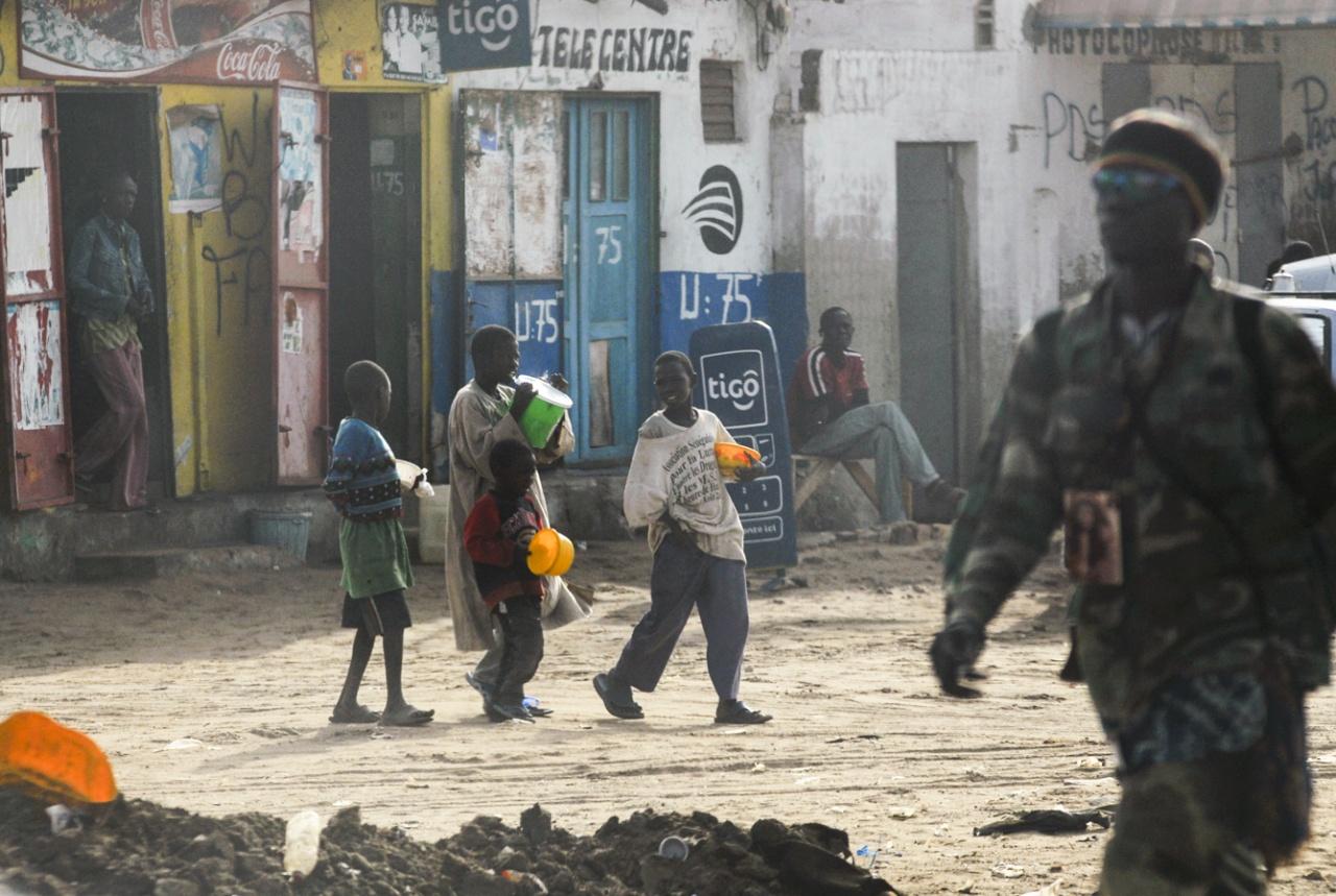 Enfants Talibés dans les rues de Dakar (Sénégal)